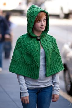 OMG... when I am done with the turtleneck poncho, I am TOTALLY knitting this!!! Boundless by Christa Giles