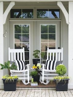 Tips for creating a pretty outdoor space.