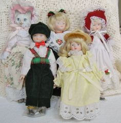 Vintage Porcelain Taiwan Five Doll Collection by RescuedTreasure