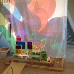 color mixing, overhead projector, light and shadows, preschool, reggio inpsired