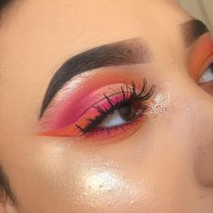 "190 mentions J'aime, 12 commentaires - Leah Paige (@beatfaceleah) sur Instagram : ""cheer up baby I was inspired by the official twice colours! BROWS - @anastasiabeverlyhills…"""