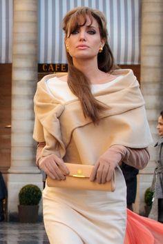 angelina jolie dresses | Angelina Jolie The Tourist Ivory Sheath Dress