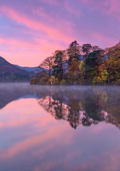 via Derwent Water at Sunrise, Cumbria, Emgland, by Aubrey Stoll, on 500px.