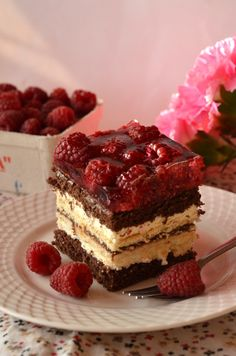 Ciasto Balladyna – z malinami, masą serową i galaretką Sweet Desserts, Delicious Desserts, Dessert Recipes, Polish Recipes, Baking Tips, Mini Cakes, Sweet Tooth, Food And Drink, Tasty