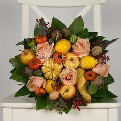 O surpriza frumoasa care va aduce zambetul pe buze persoanei care va primi florile. Buchetul contine trandafiri, bostanei, lamai, mere si alte flori.  Livrarea florilor poate fi facuta doar in Bucuresti si in zonele limitrofe. Costul de livrare nu este inclus in pret.