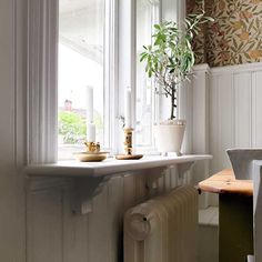 Build your own window board with wooden consoles and linseed oil paint! Welcome to Sekelskifte - a building warehouse with a historic twist. Home Library Design, House Design, Window Boards, Modern Contemporary Living Room, Contemporary Kitchens, Craft Room Design, Design Desk, Wooden Console, Modern Exterior