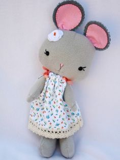 Nina Handmade Mouse Girl Doll - sweet craft inspiration
