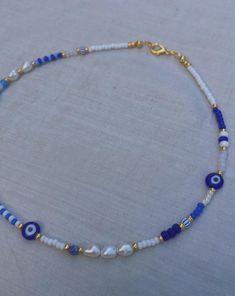 Evil Eye Jewelry, Evil Eye Necklace, Diy Necklace, Necklace Designs, Beaded Choker Necklace, Bead Jewellery, Beaded Jewelry, Diy Beaded Necklaces, Cute Jewelry
