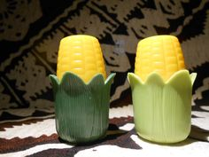 Vintage Corn Cob Salt and Pepper Shakers by UNBROKENPAST on Etsy