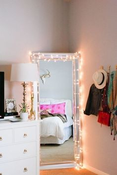 Do you want to decorate a woman's room in your house? Here are 34 girls room decor ideas for you. Tags: girls bedroom decor, girls bedroom accessories, girls room wall decor ideas, little girls bedroom ideas Decor, Bedroom Inspirations, Bedroom Design, Room Inspiration, Bedroom Decor, Home Decor, Room Makeover, Room Decor, Apartment Decor