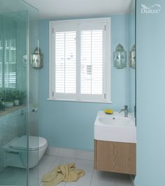A dip into blue on pinterest blue dips and sky - Couleur salle de bain tendance ...