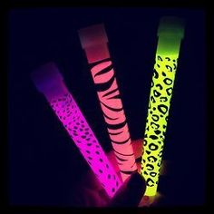 Draw on your glow sticks with Sharpie™! Kesha Animal, Rave Makeup, Pink Bling, Glow Sticks, Festival Outfits, Neon Colors, Cheetah Print, My Favorite Color, Girly Girl