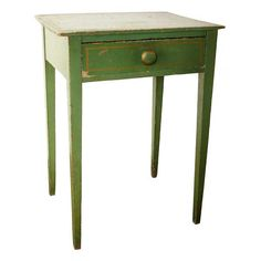 American New England Country Hepplewhite Painted Pine End Table