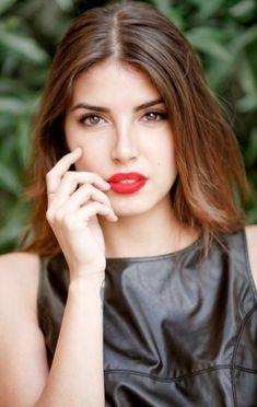 #DenizBaysal #Deniz #Baysal #Wallpaper #SözDerya #SözSavcıDerya #SavcıDerya Beautiful Eyes, Gorgeous Women, Beautiful People, Lemon Water Weight Loss, Botox Lips, Alina Boz, Actrices Hollywood, Turkish Beauty, Poses