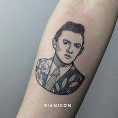 #bianicon #portrait #blackwork #linework #tattoos