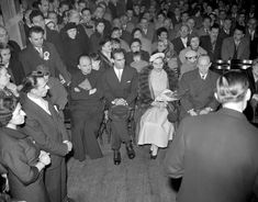Royalty - Princess Margarita of Baden marries Prince Tomislav of Yugoslavia - London - Stock Image Notting Hill London, King Alexander, Vintage London, Slums, Black History, Margarita, Royalty, Descendants, Edinburgh
