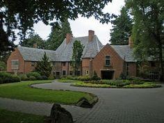 Frank Manor House on