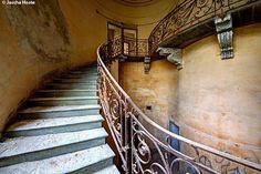Italy - abandoned villa