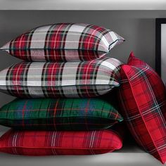 Make the holidays bright with classic tartan – a festive favorite since Victorian times. Our Stewart plaid pillow cover features traditional patterns and colors woven in a soft linen/cotton blend. Tartan Christmas, Christmas Home, Christmas Decor, Stewart Tartan, Scottish Plaid, Christmas Entertaining, Tartan Pattern, Sofa Throw, Throw Pillows