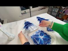 Resin Crafts, Resin Art, Craft Projects, Projects To Try, Art Christmas Gifts, Resin Tutorial, Struggle Is Real, Sculpture Art, Epoxy