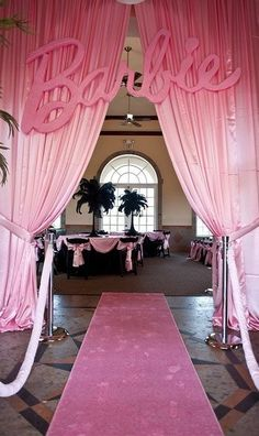 Are you considering a Barbie theme for your quince? Find out more details on how to achieve a super girly Barbie quinceanera theme for your party! Barbie Party Decorations, Barbie Theme Party, Barbie Birthday Party, Girl Birthday, 21st Birthday Party Ideas For Girls, Vintage Barbie Party, Anniversaire Harry Potter, Pink Carpet, Barbie World