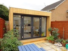 Garden office - bright and breezy! Backyard Cabin, Garden Cabins, Backyard Studio, Backyard Sheds, Garden Studio, Outdoor Office, Backyard Office, Garden Office, Guest House Shed