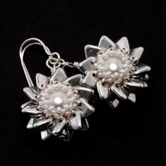 Double Pinwheel Beaded Bead Earrings by Cindy Holsclaw