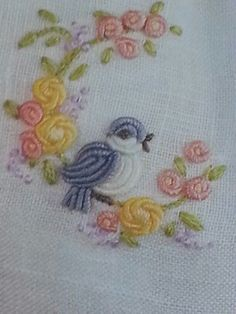 Wonderful Ribbon Embroidery Flowers by Hand Ideas. Enchanting Ribbon Embroidery Flowers by Hand Ideas. Crewel Embroidery, Brazilian Embroidery Stitches, Hand Embroidery Stitches, Silk Ribbon Embroidery, Hand Embroidery Designs, Embroidery Techniques, Embroidery Applique, Cross Stitch Embroidery, Embroidery Patterns