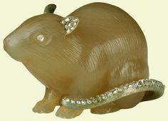 Fabergé Mouse c. 1907 Chalcedony, rose diamonds, silver