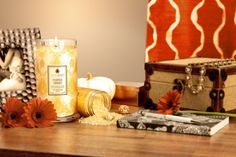 Enjoy the heady aroma of cinnamon, ground nutmeg and pumpkin. Allspice weaves its spell, blending with the sweet scent of crisped vanilla, both of which are complemented by the rich flavors of caramel and cream.  Find a hidden ring surprise worth $10 to $7500 in each of our hand-made, all natural soy candles.