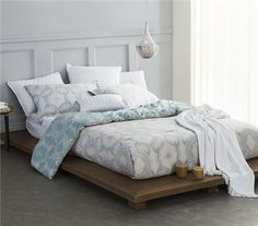 Teal and white designs on either side of this extra long twin dorm bedding essential can be paired with Modena Twin XL sheets for a Twin XL Comforter Set. College Bedding Sets, Twin Xl Bedding Sets, Twin Bedroom Sets, Big Bedrooms, Cheap Bedding Sets, Bedding Sets Online, Affordable Bedding, Luxury Bedding Sets, Bedroom Bed