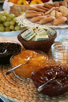 Breakfast at Bed and Breakfast San Giacomo Horses - Arluno (Milano) Hotel Breakfast, Bed And Breakfast, San Giacomo, Did You Eat, Recipe Of The Day, Horses, Meals, Healthy, Meal