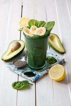 Avocado smoothie with spirulina recipe - nutritional dense smoothie with spirulina, chia seeds, avocado, banana and lemon juice. Great morning fuel.