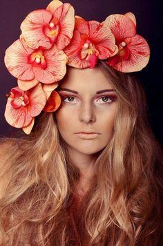 oversized flower crown  - überdemensionale Blumenkrone