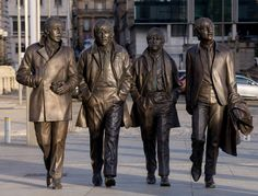 A New Statue of The Beatles by sculptor Andy Edwards is unveiled at Pier Head on December 2015 in Liverpool, England. The bronze sculpture was donated to the city by the Cavern Club and unveiled by John Lennon's sister Julia Baird. - 2 of 12 Foto Beatles, Les Beatles, Beatles Art, Ringo Starr, John Lennon, Bronze Sculpture, Sculpture Art, The Quarrymen, Great Bands