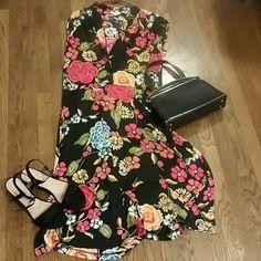 Nieces Lavi  floral dress Size 12, drapes beautifully Nieves Lavi Dresses Midi