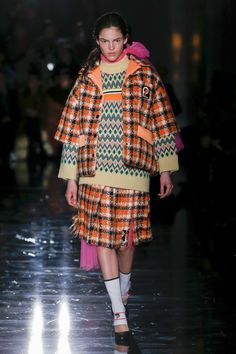 Prada Fall 2018 Ready-to-wear Fashion Show Collection
