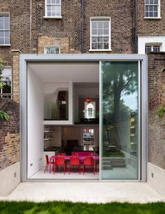 Structural design for contemporary architecture. Contemporary Architecture, Architecture Details, Interior Architecture, Exterior Design, Interior And Exterior, Extension Veranda, Glass Extension, Rear Extension, House Extensions