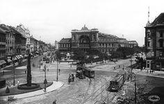 Baross tér ( plein) Keleti-pályaudvar. (Eindstation Oost)