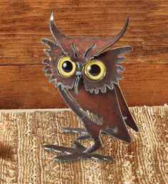 Quirky Metal Owl - the eyes have it!
