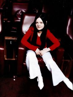 """suzythe-exploder: """" The beautiful Meg White. Meg White, Jack White, Seven Nation Army, The Third Man, The White Stripes, How To Have Twins, Blues Rock, Shades Of White, Cool Bands"""
