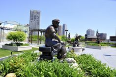 Milwaukee Area Parks: Statue Garden on top of Grohmann Musuem now open!
