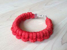 Cotton cord bracelet. knot bracelet. red bracelet by Kreseme