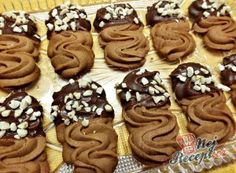 Best Christmas Cookies, Holiday Cookies, Christmas Baking, Biscuit Decoration, Desserts With Biscuits, Baking Business, Czech Recipes, Chocolate Biscuits, Pastry Cake