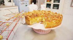 Apfelkuchen oder Bienenstich? Wir nehmen euch die Entscheidung einfach ab! Ganz einfach gezaubert, mit Enies Apfelkuchen mit Bienenstichdecke.