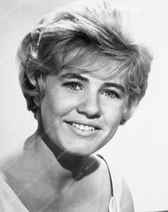 Photographs are Brand New, Matte Prints or Glossy on photo paper with white borders. Photos come from a professional lab (no inkjet, no laserjet) for beautiful Patty Duke, Elizabeth Montgomery, Famous People, Celebs, Portrait, Anna, Beautiful, Celebrities, Headshot Photography