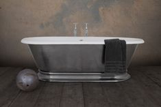 Freestanding roll top baths from our Shikara range with a wide & swooping double-skirted plinth. Cast Iron Bath, Roll Top Bath, Clawfoot Bathtub, Baths, Bathroom Ideas, Bathrooms, Copper, Clawfoot Tub Shower, Toilets