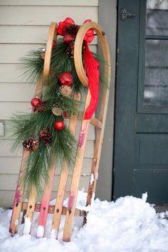 Christmas Front Doors, Christmas Porch, Christmas Wreaths, Christmas Crafts, Country Christmas, Father Christmas, Christmas Balls, Christmas Snowman, Winter Christmas