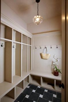 Very pretty Mudroom