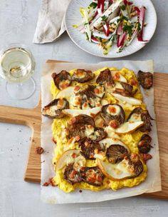 Polenta-Pizza mit Austernpilzen, Birnen und Salat Rezept - [ESSEN UND TRINKEN]